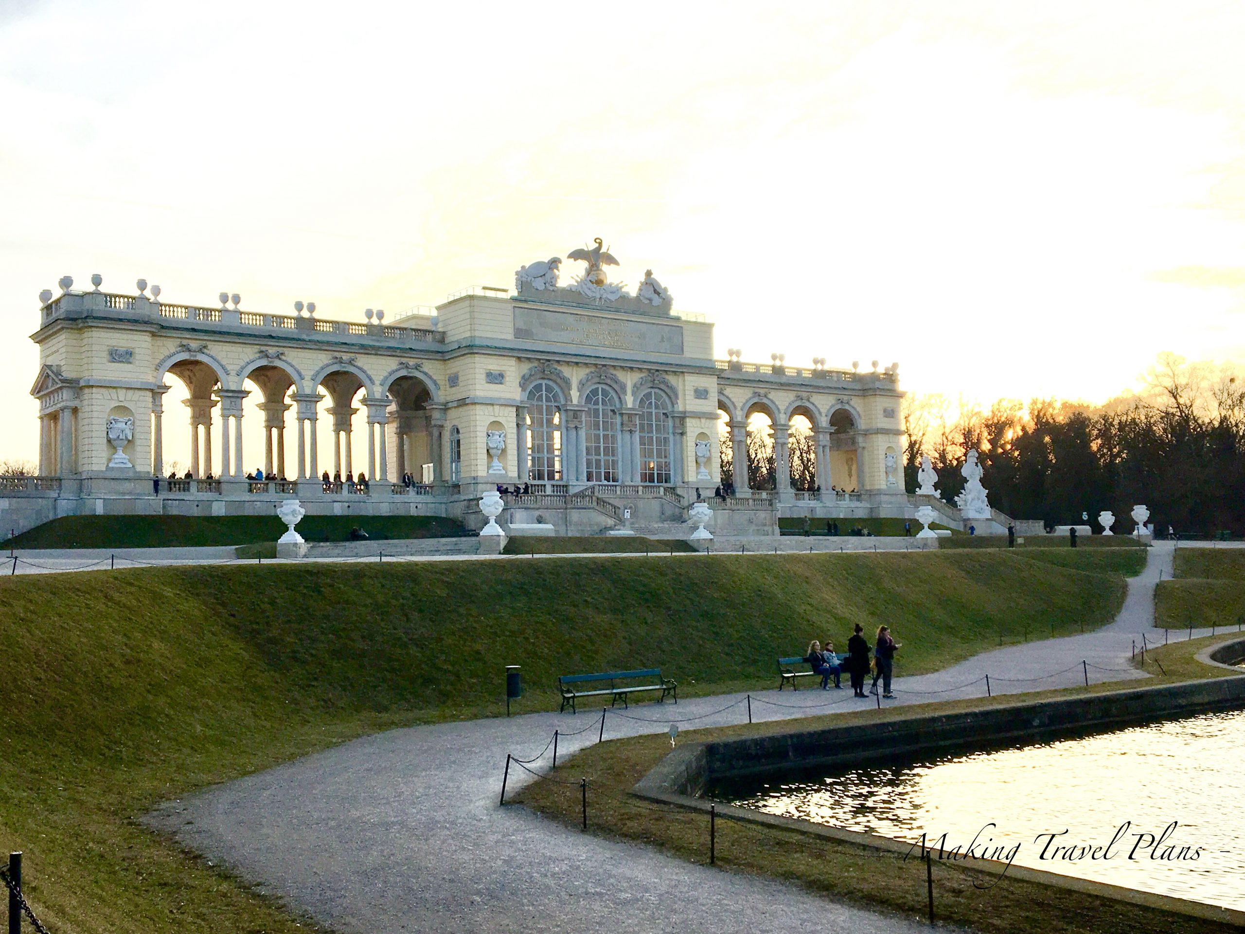 What to see in Vienna. Travel guide with top 12 activities to do.