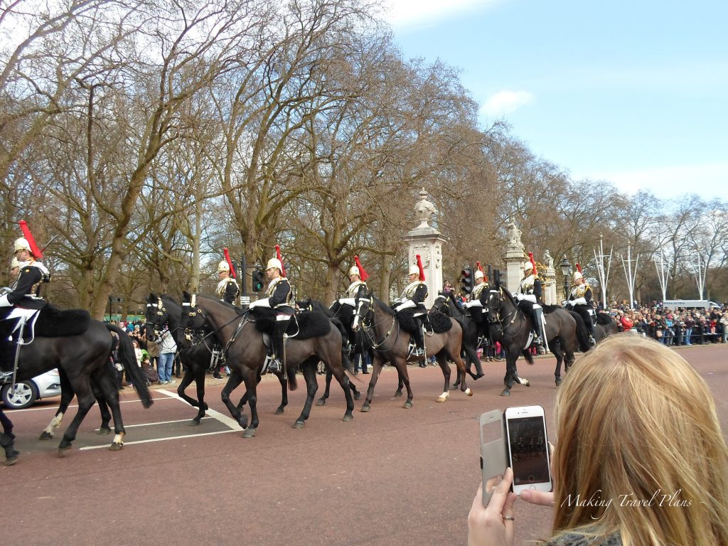 Must see in London Europe. Changing guard Buckingham palace