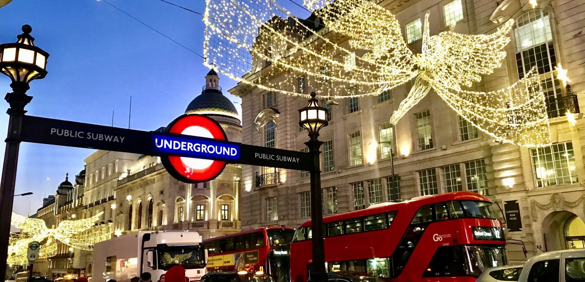 How to use London Public transport: A guide how to use London underground and buses.